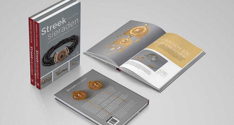 Boek Streeksieraden uit de collectie van het Nederlands Openluchtmuseum